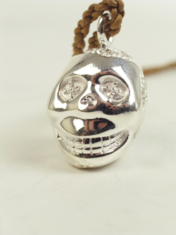 maiple MEXICAN SKULL NECKLACE